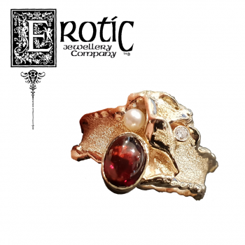 Garnet and Pearl Molten Edge Gold Ring